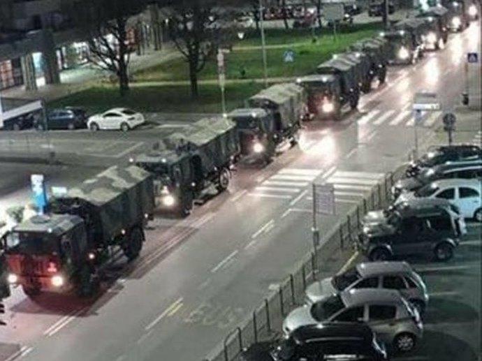 Italia: Convoi militar transporta sicriele morţilor la crematorii